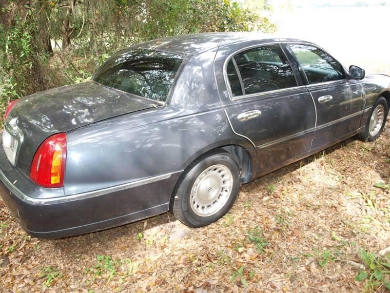 1999 Lincoln Lincoln Town Car
