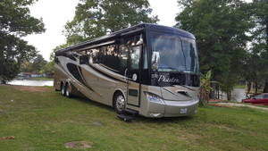 2014 Tiffin Phaeton 42LH