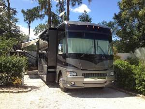 2006 Winnebago Adventurer 38J