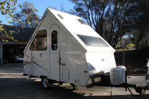 2011 Chalet RV  Alpine