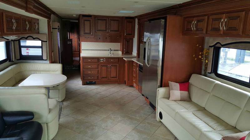 2011 Fleetwood Discovery 42C