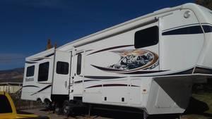 2012 Keystone Montana Hickory 3402RL