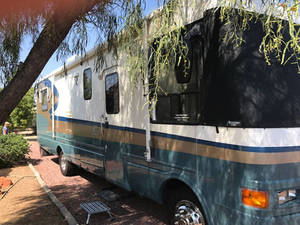 2000 National RV Tropical 6330