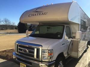 2017 Thor Motor Coach Chateau 28A