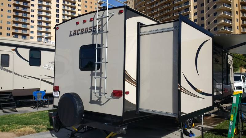 2016 Prime Time Lacrosse Luxury Lite 331bht