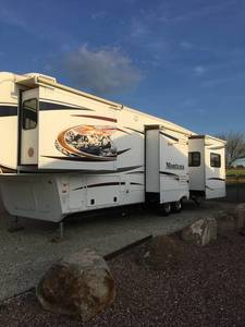 2012 Keystone Montana 3625RE