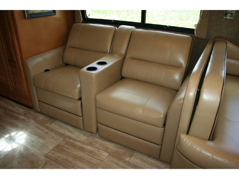 2016 Thor Motor Coach Challenger 37LX
