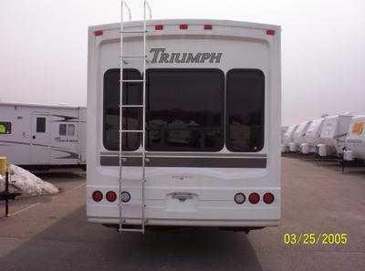2005 Fleetwood Triumph 385RLQS