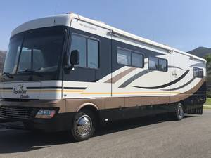 2010 Fleetwood Bounder Classic Bounder 35S