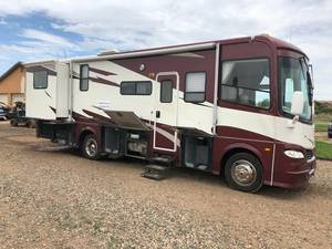 2006 Coachmen Epic 3180DS