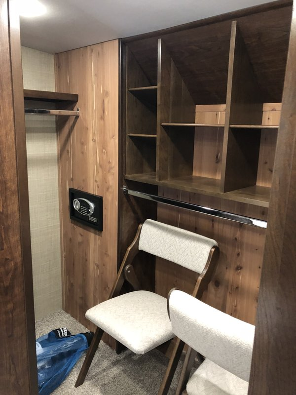 2018 DRV Mobile Suites 44 Houston Elite