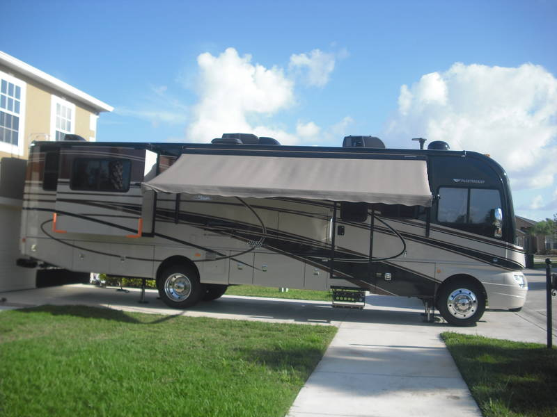 2014 Fleetwood Sounthwind 36L