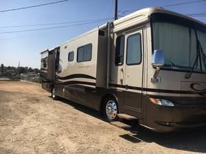 2005 Newmar Kountry Star 4502