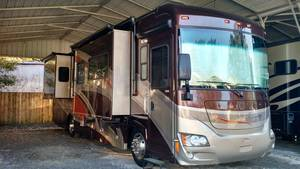 2011 Winnebago Journey 34Y
