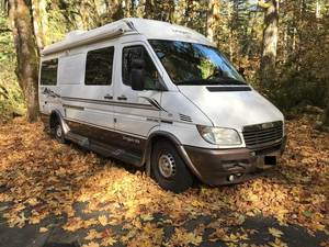 2005 Leisure Travel Free Spirit 210B