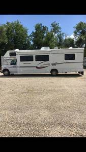 2005 Winnebago Minnie 31C