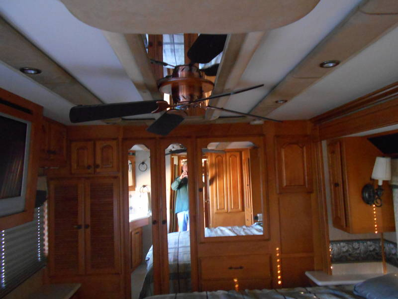 2005 Fleetwood American Eagle 42R
