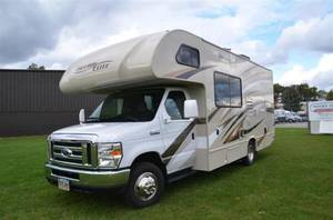 2017 Thor Motor Coach Freedom Elite 23H