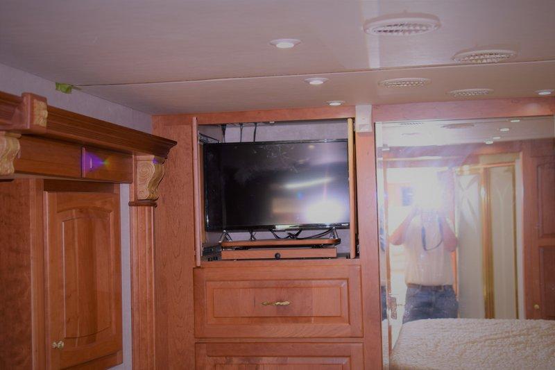 2004 Newmar Essex 4502