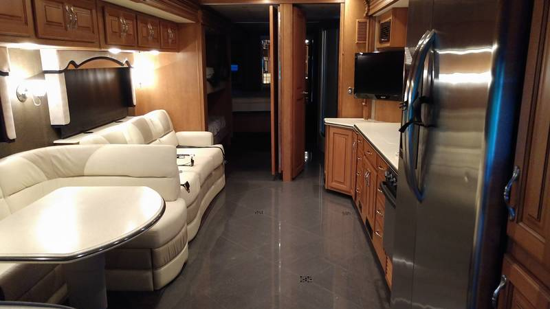 2013 Fleetwood Discovery 40G