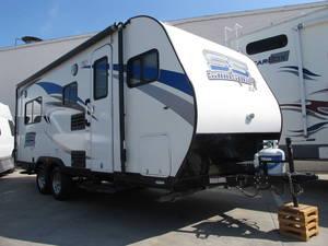 2015 Pacific Coachworks Sandsport 18 SLE LIKE NEW!