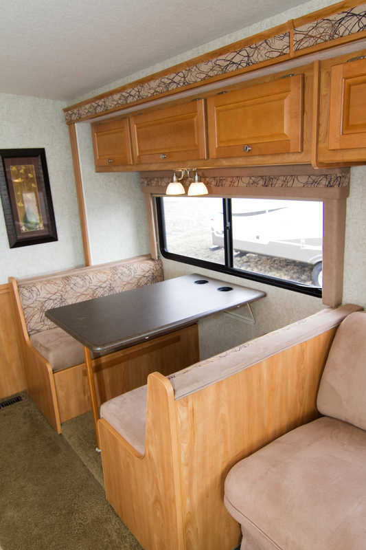 2008 Winnebago Vista 33T