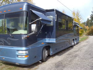 2002 Foretravel Motorcoach Unicoach U320, model 4020