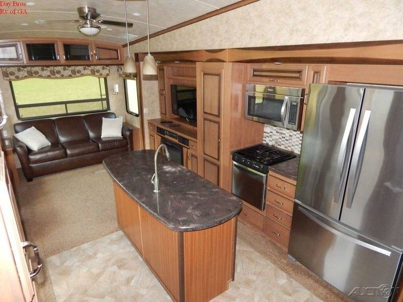 2015 Forest River Cedar Creek Hathaway 38FB2