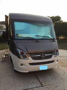 2016 Winnebago Via 25P