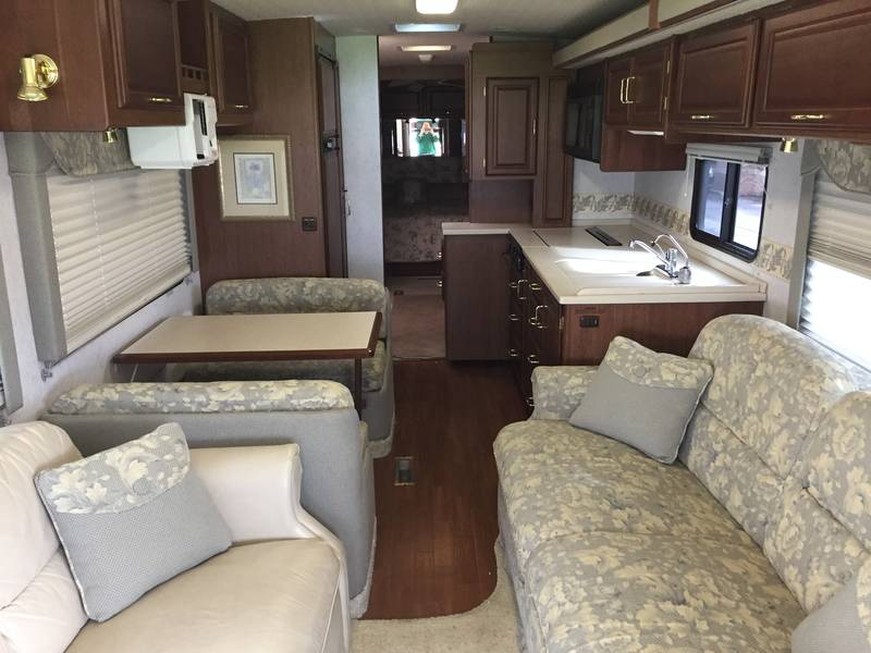 2003 Winnebago Journey 36LD