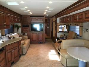 2011 Fleetwood Discovery 40 X