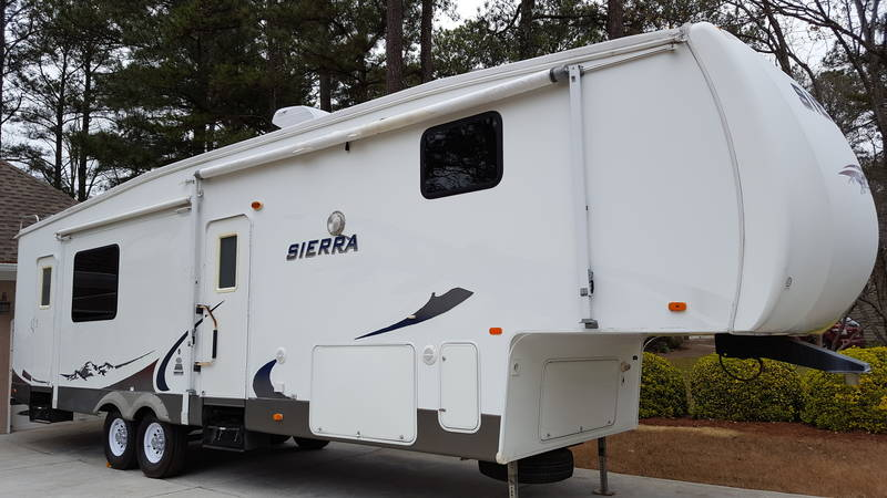 2008 Forest River Sierra 325RGT