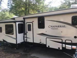 2017 Coachmen Chaparral 371MBRB