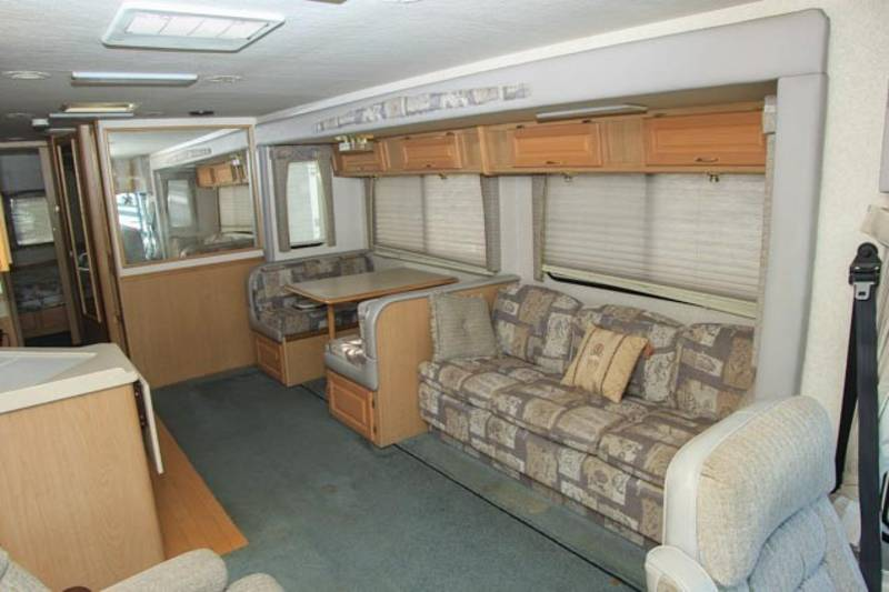 2002 National RV Dolphin LX 5342