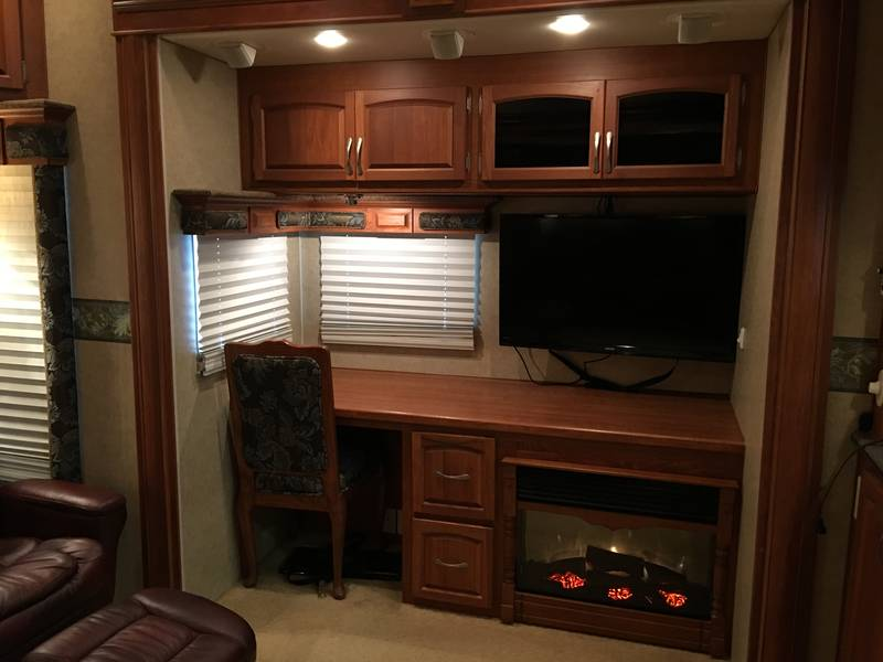 2009 Holiday Rambler Presidential Suite 37SKQ