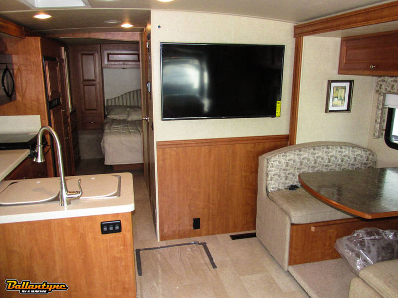 2016 Winnebago Sunstar LX 27N