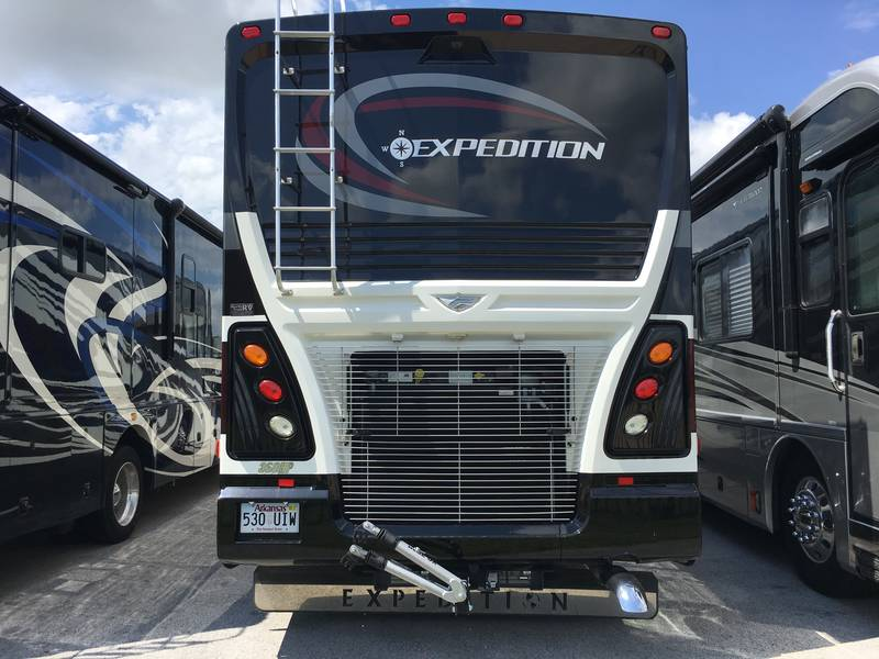 2013 Fleetwood Expedition 38S