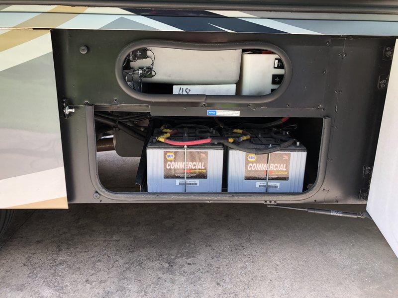 2016 Winnebago Suncruiser 38Q