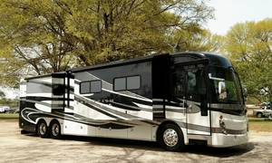 2011 American Coach American Tradition 42M