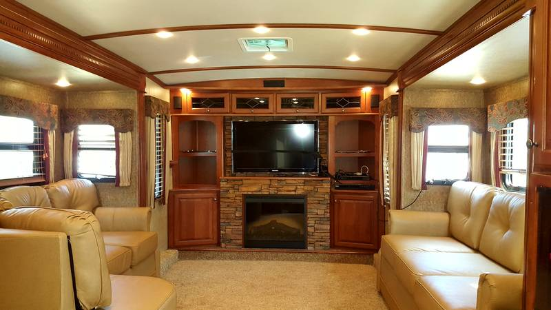 2012 Dutchmen Infinity 3750 Fl Front Living Room Reduced