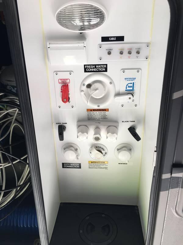 2016 Dutchmen Voltage V-Series 3895
