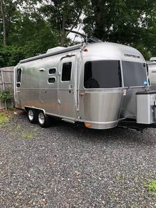 2017 Airstream International Signature 23D
