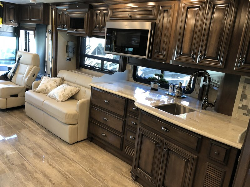 2019 Newmar Dutch Star 3736