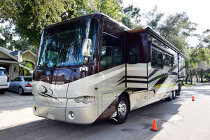 2011 Tiffin Allegro Bus 44 ft
