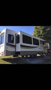 2018 Forest River Cedar Creek Hathaway 38FBD