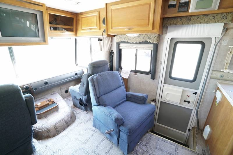 2006 Fleetwood Flair 33R
