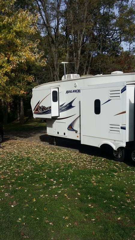 2012 Keystone Avalanche 330RE2A