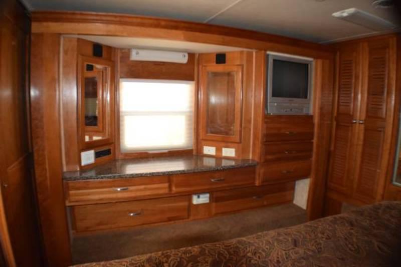 2006 Alpine Coach Limited ALPINE