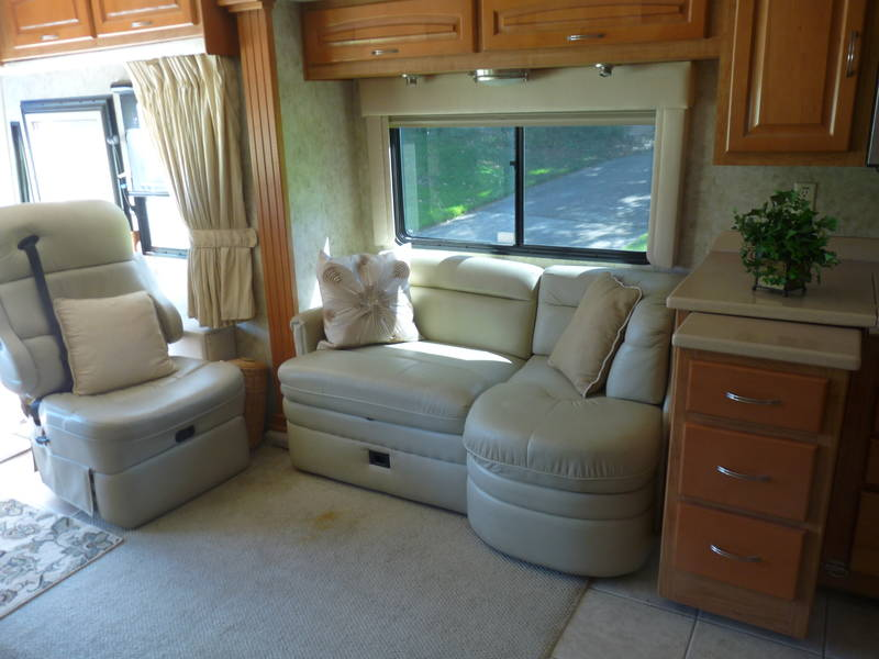 2005 Forest River Charleston 40QS