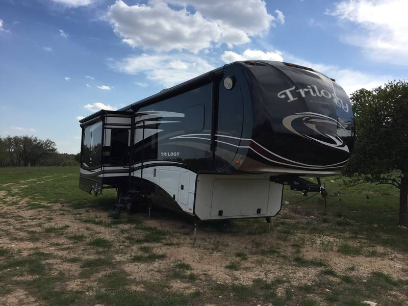 Used Dynamax Fifth Wheel Trailers For Sale